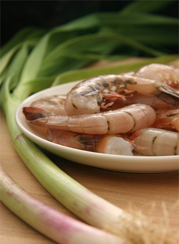 picture of fresh green garlic